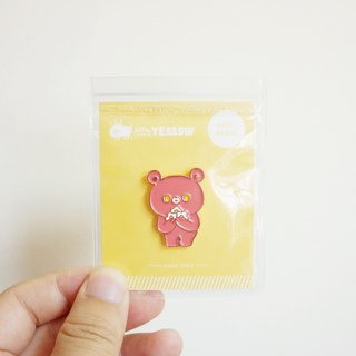 MOMO BEAR metal badge