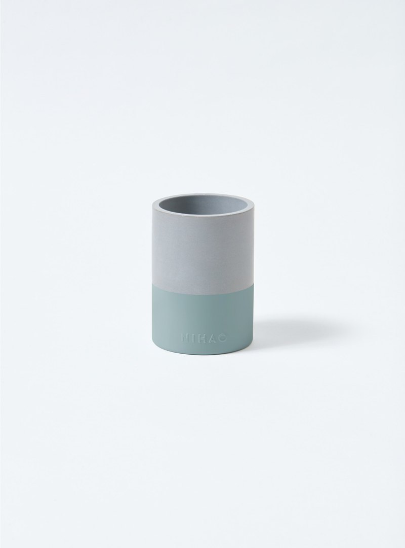 NIHAO | Cement pot narrow side species (distant fog green)