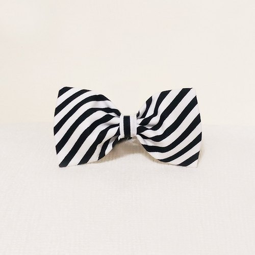 Ella Wang Design Bowtie pet cats and dogs bow tie black and white stripes gentleman