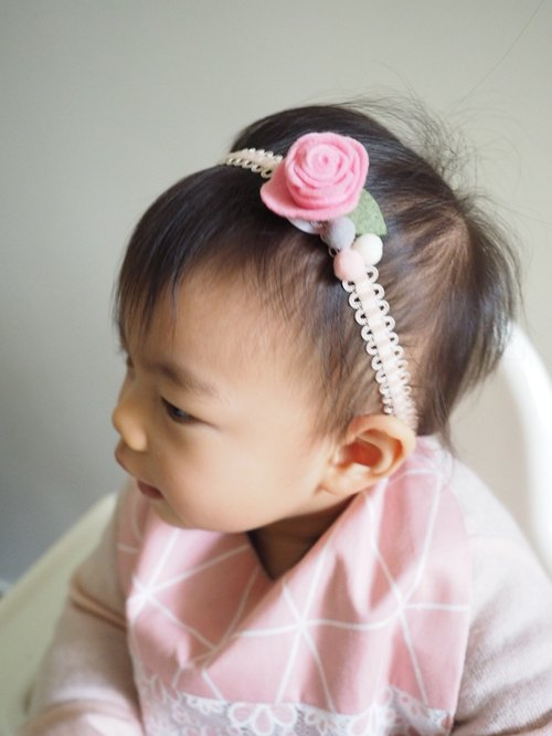 Handmade Elastic baby headband with little pink flower
