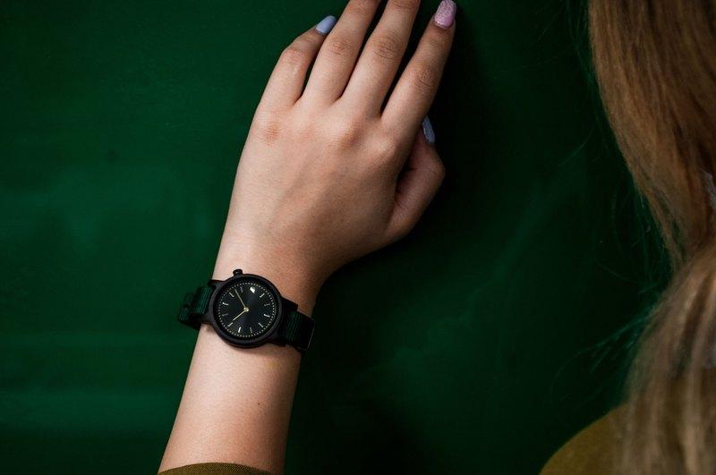 PRIME 1.0.0 烏木木手錶 - 34mm 森林綠表帶