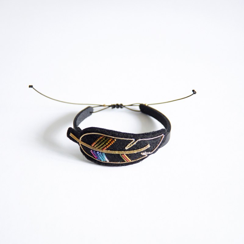 Handmade Metal Embroidery Leather Bracelet, Bangles, Feather Pattern