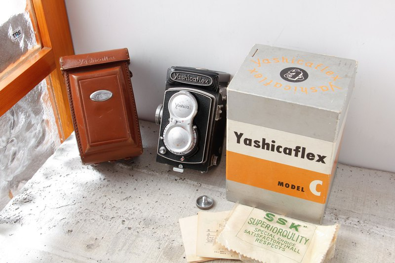 YASHICAFLEX MODEL-C including box and manual