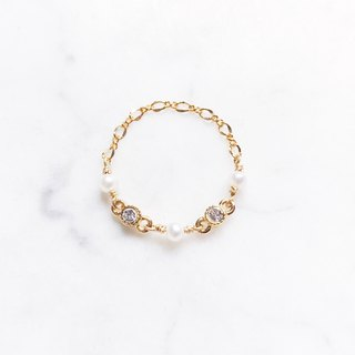 ::Classic Chain Ring :: Mini Pearl Small Diamond Chain Ring