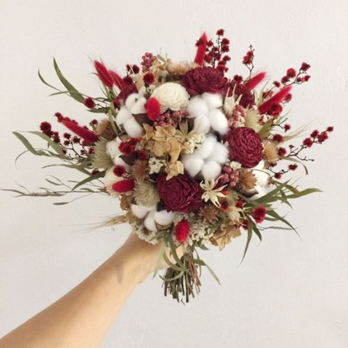 Take your own flowers | Dry bouquets | Red and white cotton dry flowers | Bridal bouquets | Photo bouquet