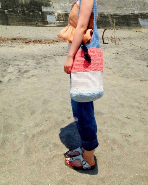 Summer の Ito ★ tri-color woven shoulder bag Postman
