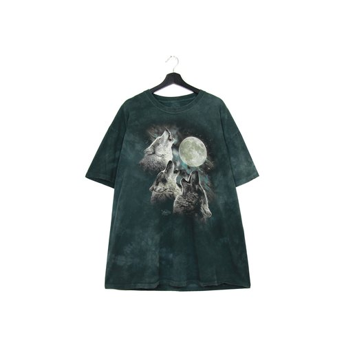 Back to Green: Hand dyed full moon wolves for men and women to wear vintage t-shirt
