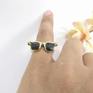 Glasses ring