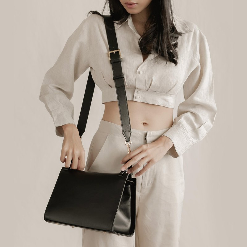 "''Libra"" leather shoulder bag - Black"