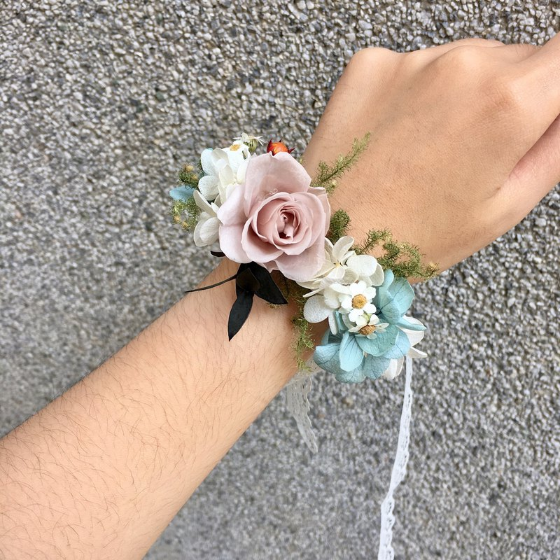 Dry Wrist Flower [Warm as You] Soot / Smoked Powder Wrist Flower Dry Hand Flower Bridesmaid Wrist Flower