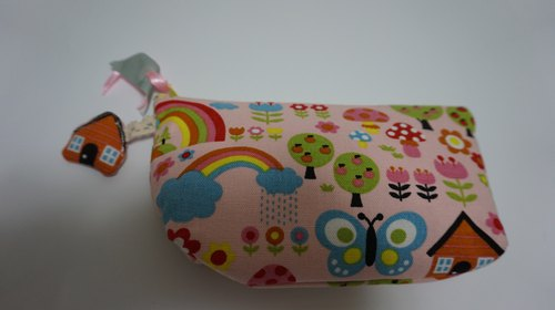 Warm pouch series - Strawberry cosmetic bag (the world is one)