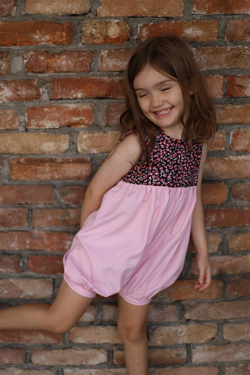日式粉紅色連衣裙