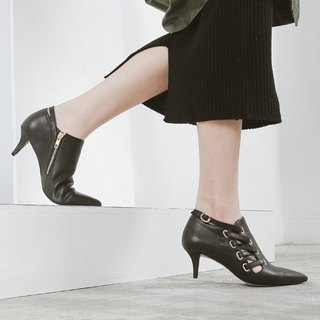 Cross leather cord buckle tip leather ankle boots black