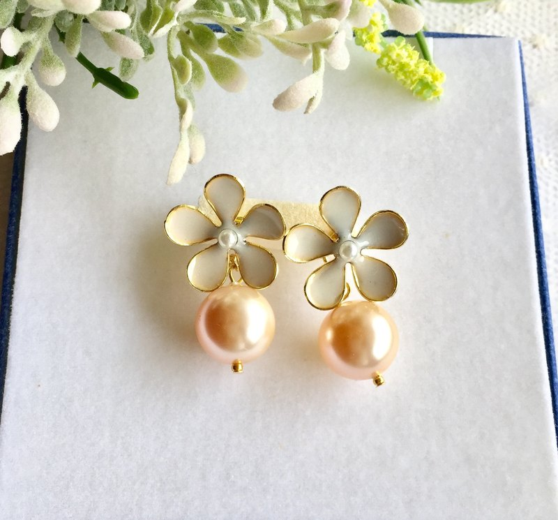 Flower × Perl pierce Flower Pearl Earrings