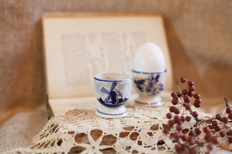 Good day fetish / New Year special set of two / Valentine's Day gift / Germany vintage hand-painted egg cup