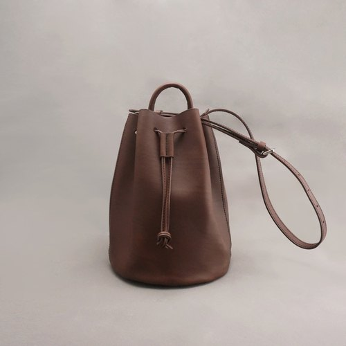 Bert Burt leather bucket bag side beam port bag / brown vegetable tanned leather / hand bag