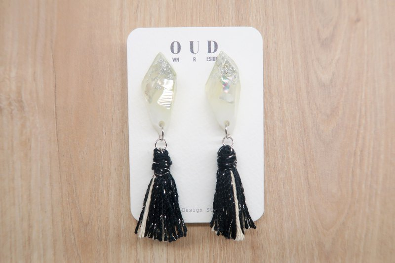 OUD Original-Natural MOP-925 Silver-Black Silver Cotton Tassel Dangle Earring