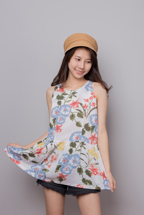 Sleeveless Blouse Tops with summer print, item for summer