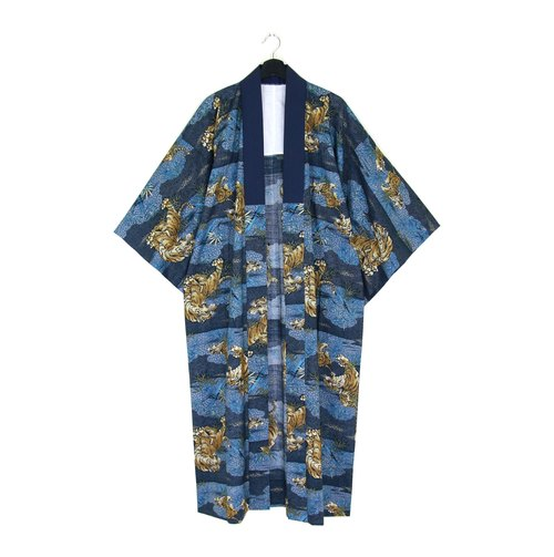 Back to Green :: Japan back with kimono long full version of exquisite hand-painted tiger \ / men and women can wear / / vintage kimono (KC-45)