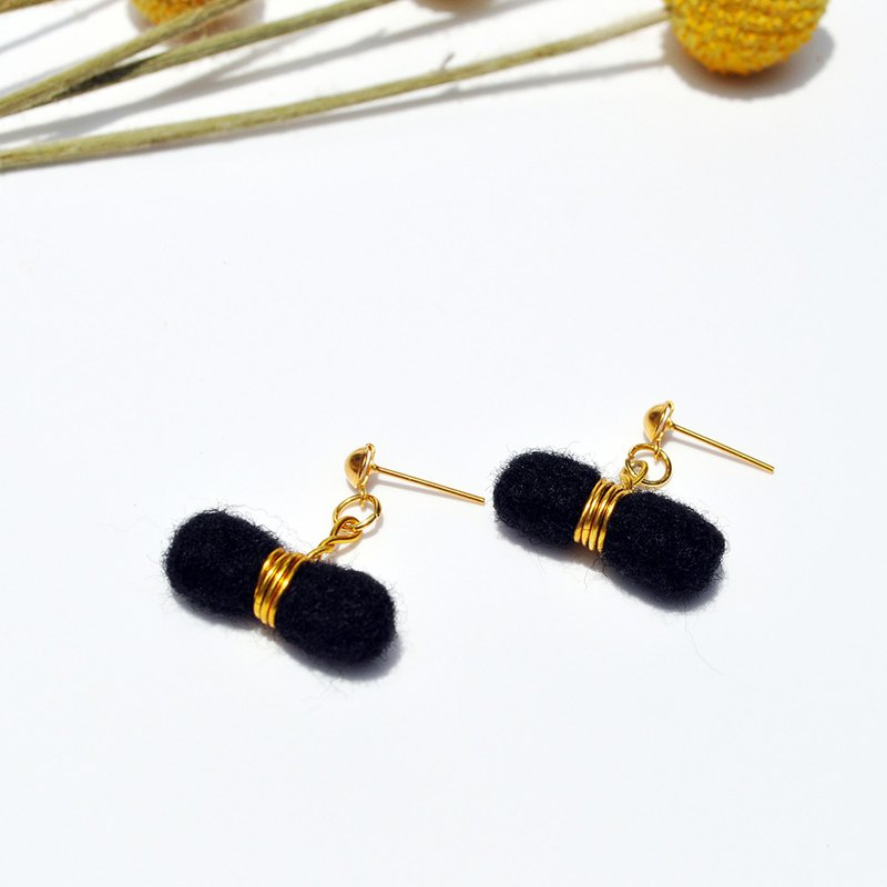 Product Name: Black Kidnapper Wool Felt Earrings