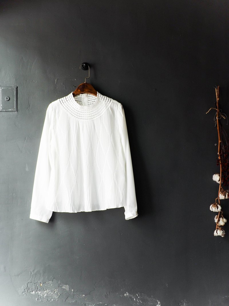 River water mountain - Tokushima pure white simple modern girl antique silk shirt shirt coat shirt oversize vintage