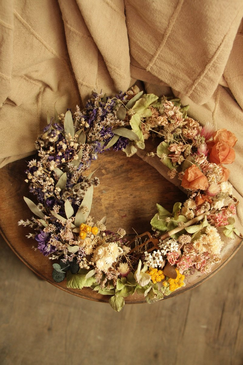 Early autumn court wreath wreath