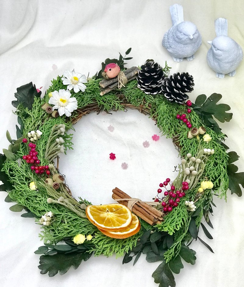 Christmas wreath - little red bird for Christmas