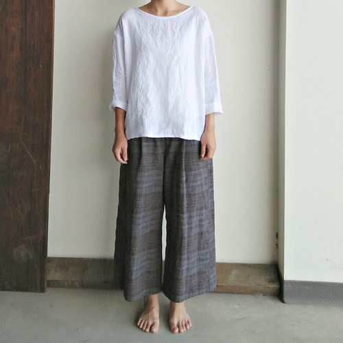 After opening buckle seven-point sleeves washed linen white