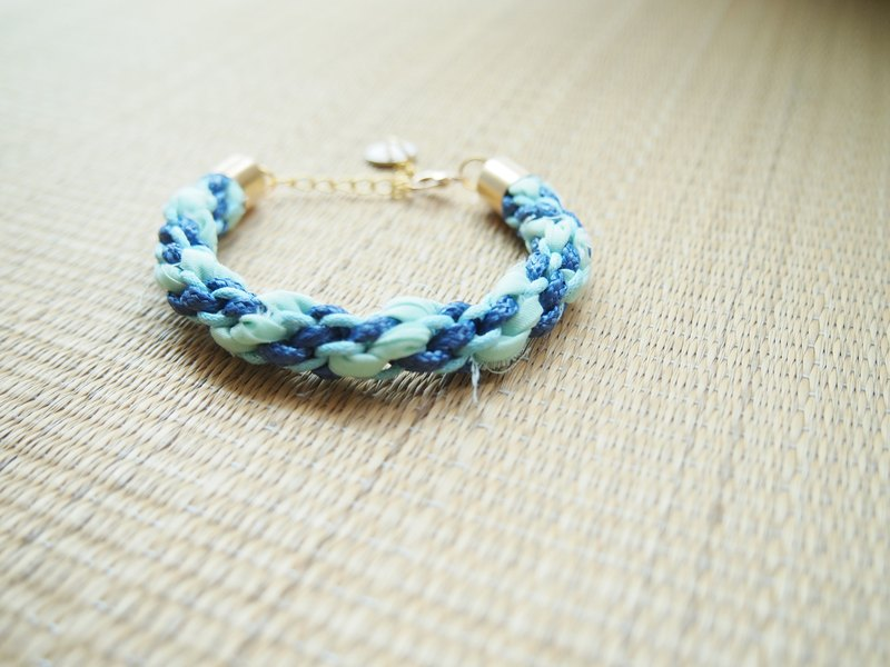 Hand knitting simple lake blue wax line lucky hand rope RB028