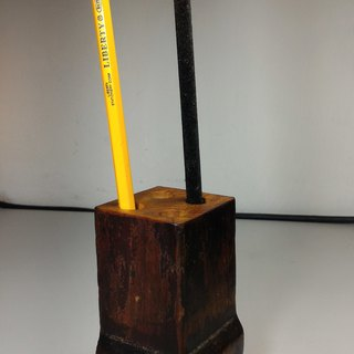 Old Taiwan Xiao Nan wooden table foot pen holder (A)