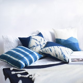 Ink white four-piece grass dyed tie dyed blue dyed handmade Chinese Japanese ramie linen pillow pillow