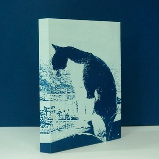 Taiwan Houtou cat village monkey overlooking the world of black and white cat tired world handbook notebook