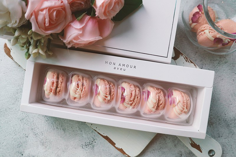 【花漾朋派】客製品-彌月馬卡龍禮盒10盒(小顆6入/盒)