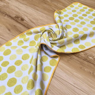 Cool towel - yellow doodle bubble