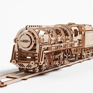 /Ugears/ Ukrainian wooden model steam locomotive Locomotive