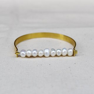 Turn the pearl brass bracelet