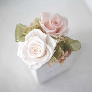 Not withering rose table flowers (classical)