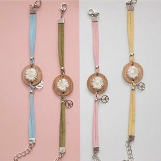 Small Wood Bracelets with Dry Flowers - Pastel Colors