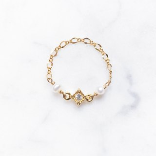 ::Classic Chain Ring :: Mini Pearl Lingfang Small Diamond Chain Ring