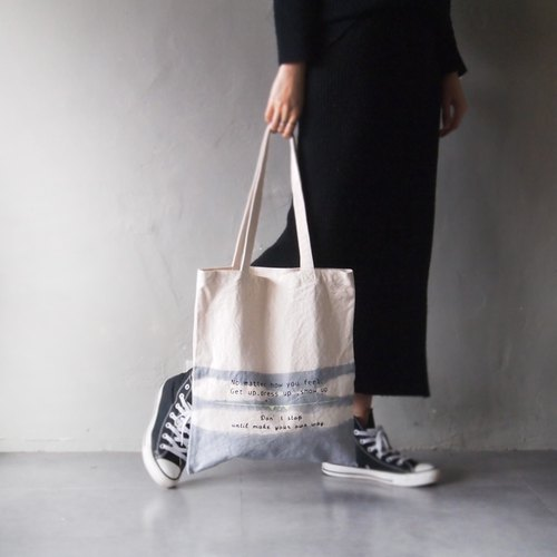 Three generations of new new Totat series show yourself light gray strap cotton canvas hand-tote