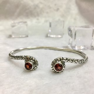 Garnet Bangle Handmade in Nepal 92.5% Silver