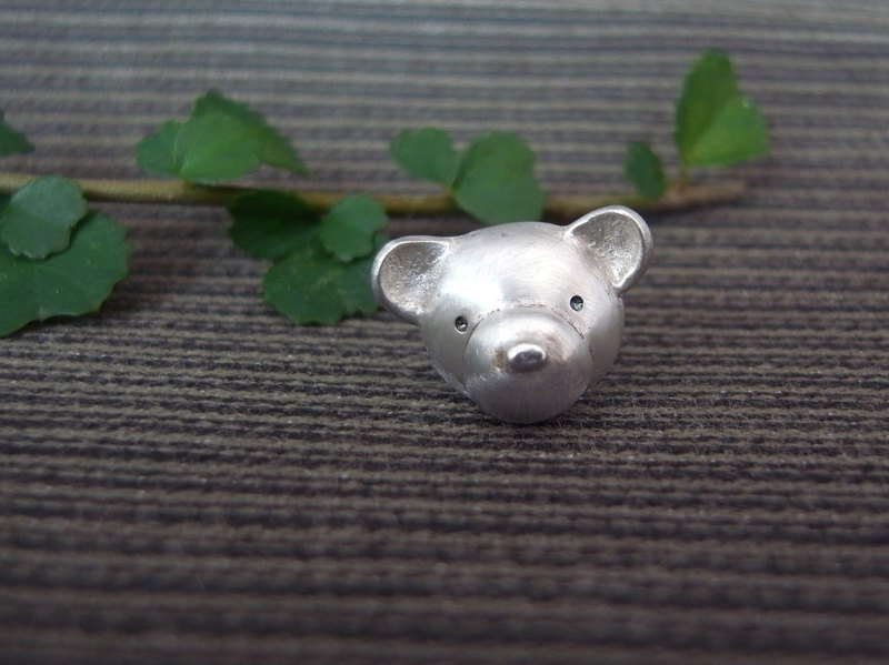Teddy Bear No.37 Stud Earring--Sterling Silver--Silver Tiny Bear --Cute Bear