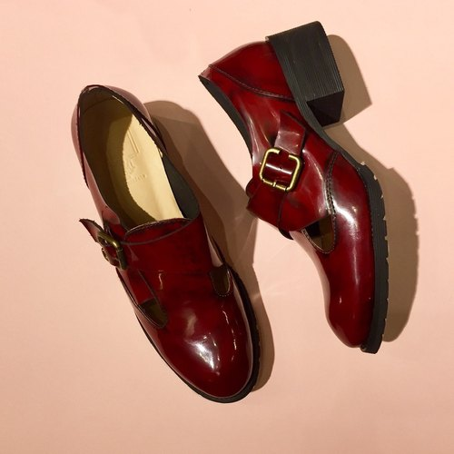 Painting # 8028 || Calfskin buckle low heel wipe color hi red ||