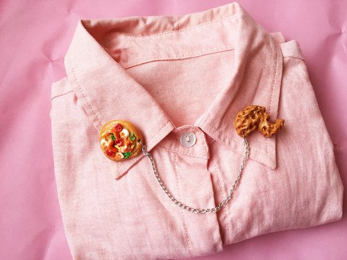 Brooch attached collar Pizza, fried chicken wings +