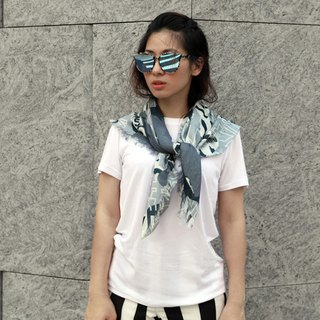 King of Mountains Camouflage Collagen Scarf (Grey)