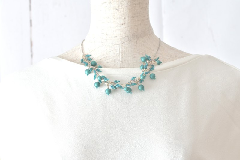 Pearl leaf necklace (green) chain 45 cm 50 cm 55 cm