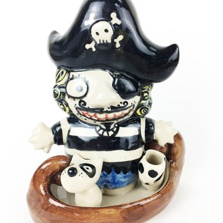 Nice Little Clay Handmade a toothbrush holder _ pirate 10