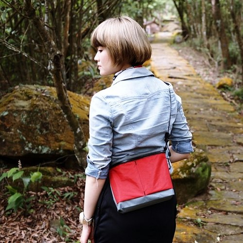 SURFACE Chest/Shoulder Bag (redgray)