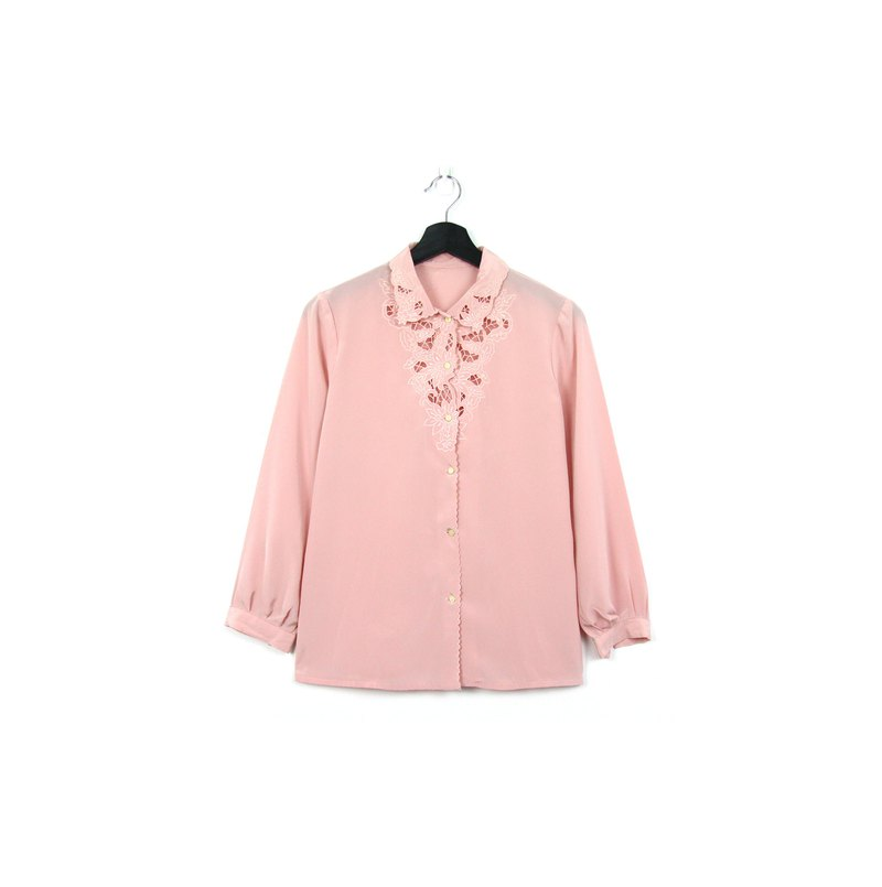 Back to Green:: Japanese and silky white shirt pink hollow //vintage shirt