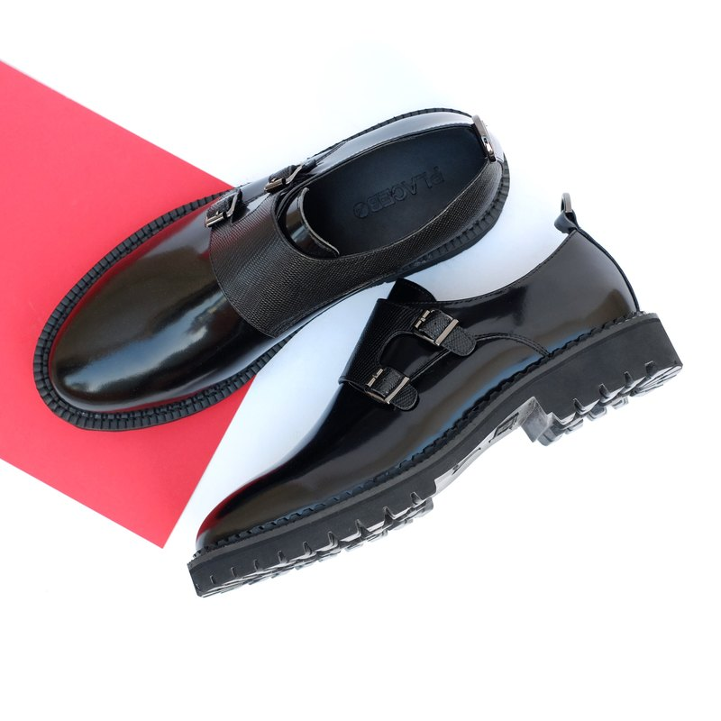 Placebo key ring black neutral double-cut leather shoes